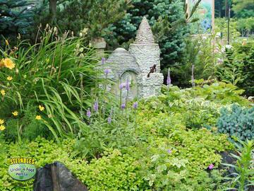 STEPABLES.COM - Plants that tolerate foot traffic on fairy art, winter wonderland fun, fairy craft, spring fun, summer garden fun, mother's day fun, sewing fun, fairy vintage, fairy village, fairy swing, thanksgiving fun, fairy forest, fairy house fun,